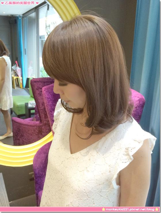 ★髮型★東區M:激賞髮型,染個質感灰綠色,再次補染顏色一樣好美麗
